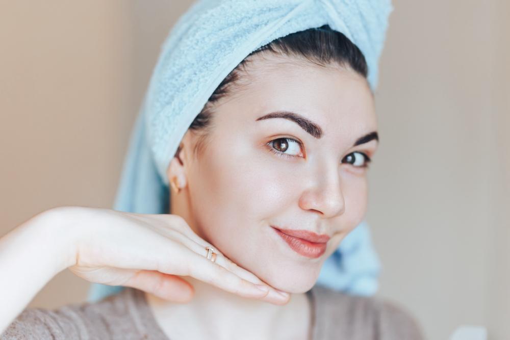 élimination des impuretés faciales